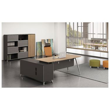 Innova Executive Desk Setting